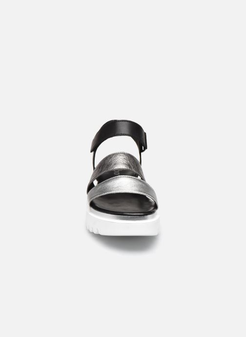 Sandali e scarpe aperte Gabor ERITA Argento modello indossato