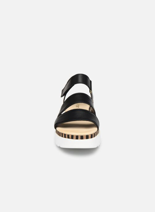 Sandali e scarpe aperte Gabor IVA Nero modello indossato