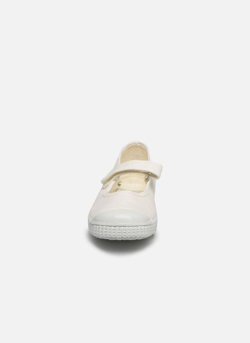 Sneakers I Love Shoes BOSSA Bianco modello indossato