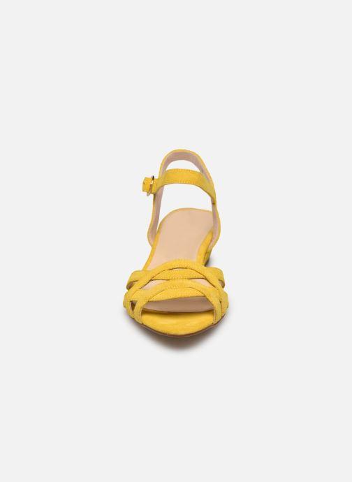 Sandales et nu-pieds Georgia Rose Latira Jaune vue portées chaussures