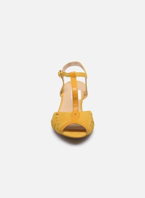 Sandales et nu-pieds Georgia Rose Loustina Jaune vue portées chaussures