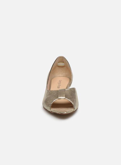 Zapatos de tacón Georgia Rose Laurinette Oro y bronce vista del modelo