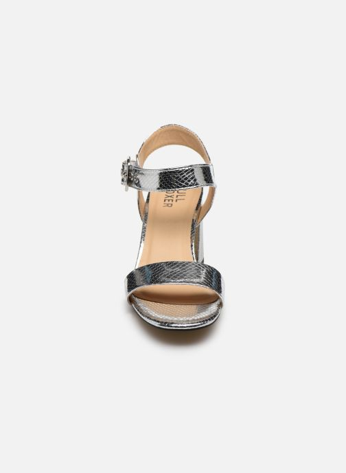Sandali e scarpe aperte Bullboxer 041002F2S Argento modello indossato