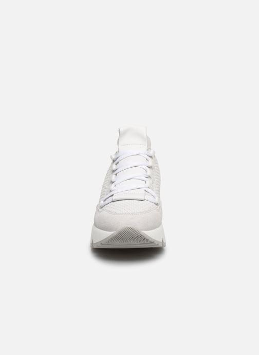 Baskets Bullboxer 323002E5C Blanc vue portées chaussures