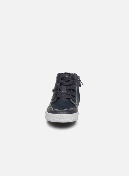 Sneaker Geox B Gisli Boy  B741NB grau schuhe getragen