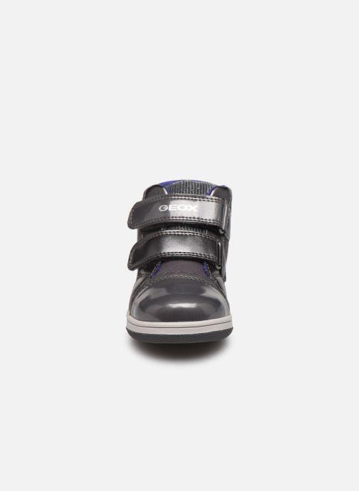 Baskets Geox B New Flick Girl B841HC Gris vue portées chaussures