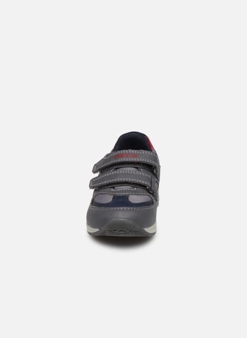 Baskets Geox B Pavlis Boy B741RA Gris vue portées chaussures