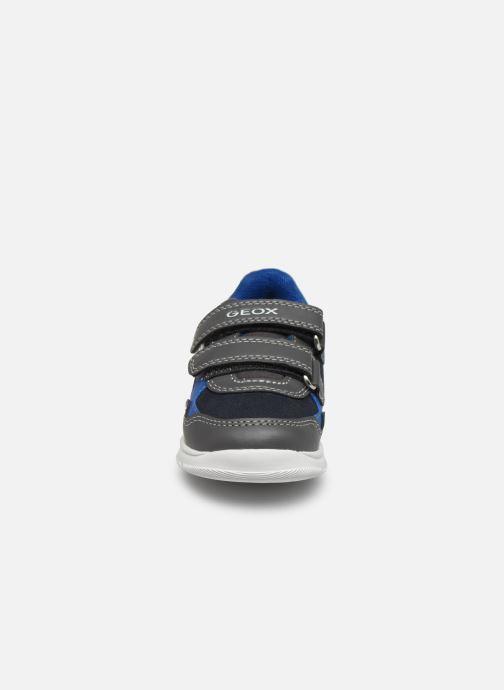 Baskets Geox B Xunday Boy B841BD Gris vue portées chaussures