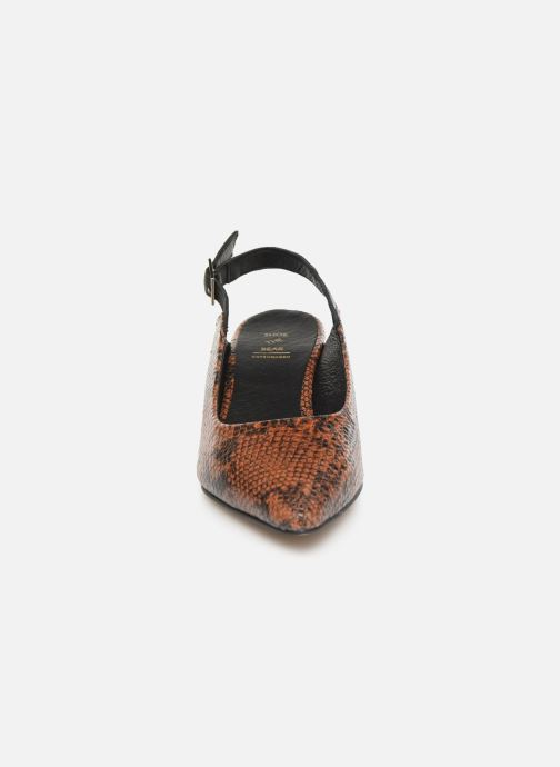 Escarpins Shoe the bear HAYDEN SLINGBACK SNAKE Marron vue portées chaussures