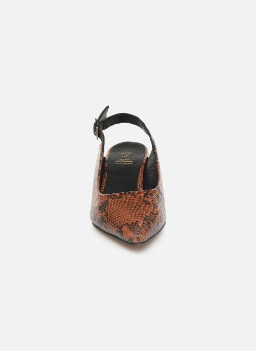 Zapatos de tacón Shoe the bear HAYDEN SLINGBACK SNAKE Marrón vista del modelo