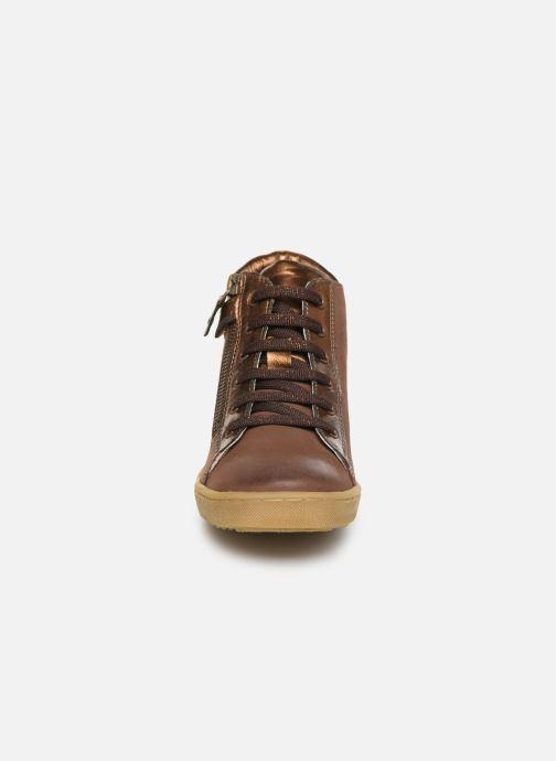 Baskets Kickers Sirena 2 Marron vue portées chaussures