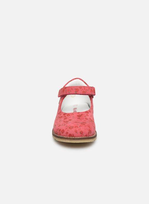 Ballerinaer Kickers Noaya Pink se skoene på
