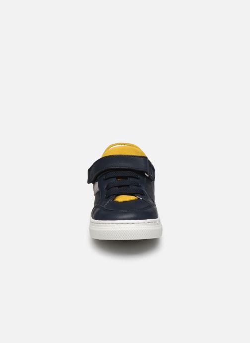 Sneakers I Love Shoes JOKER LEATHER Azzurro modello indossato