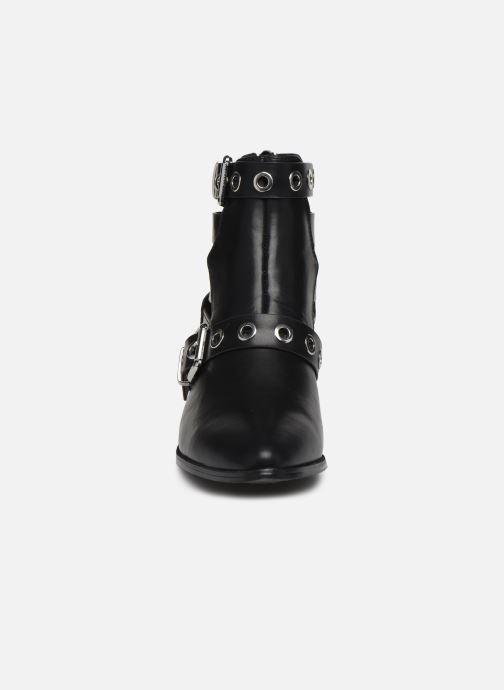 Bottines et boots ONLY ONLTOBIO PU CUT OUT BUCKLE BOOT Noir vue portées chaussures