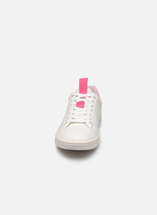 Baskets ONLY ONLSHILO PU IRIDESCENT SNEAKER Blanc vue portées chaussures