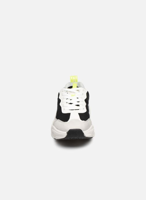 Sneakers ONLY ONLSHAY PU CHUNKY SNEAKER Bianco modello indossato