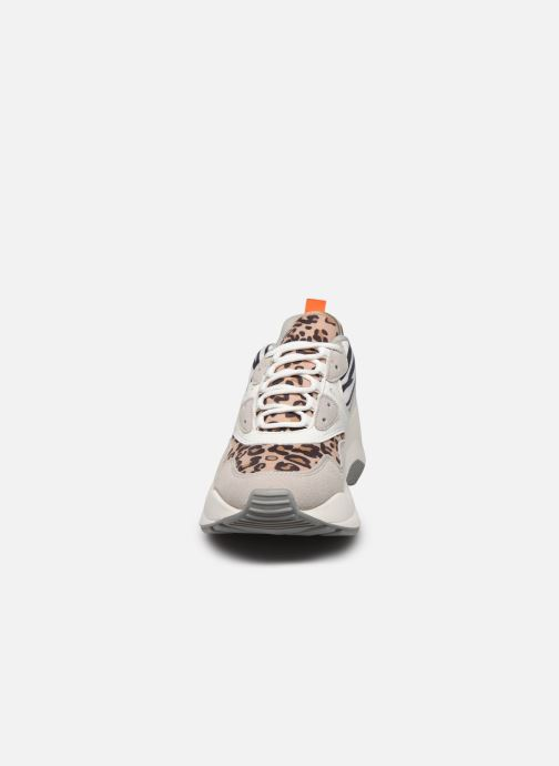 Sneakers ONLY ONLSTORM MIX CHUNKY SNEAKER Beige modello indossato