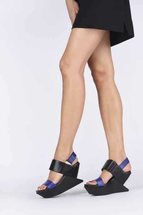 Sandali e scarpe aperte United Nude DELTA WEDGE SANDAL Nero immagine dal basso