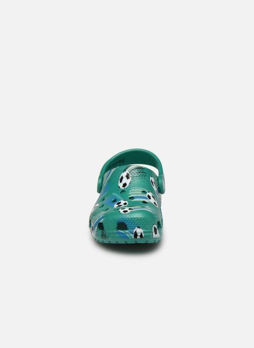 Sandalias Crocs Classic Sport Ball Clog PS Verde vista del modelo