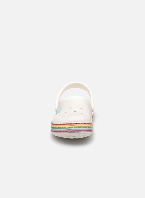 Sandalen Crocs Crocband Rainbow Glitter Kids weiß schuhe getragen