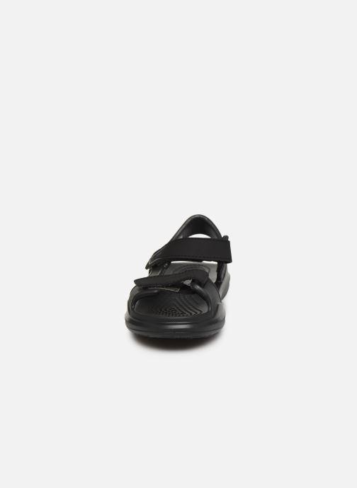 Sandales et nu-pieds Crocs Swiftwater Expedition Sandal K Noir vue portées chaussures