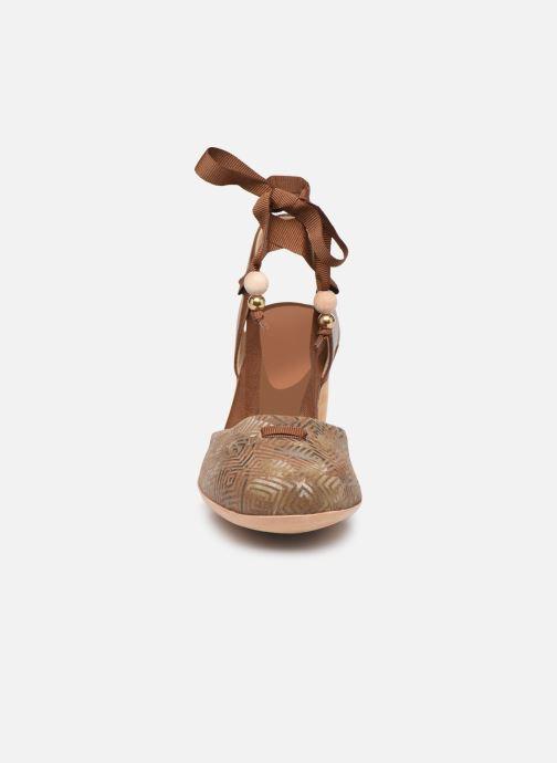 Sandales et nu-pieds Neosens Mulata S627 Marron vue portées chaussures