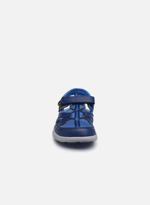 Sandali e scarpe aperte Columbia Youth Techsun Wave Azzurro modello indossato