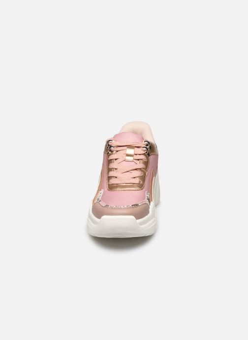 Sneakers Victoria TOTEM MONOCROMO DETAL Rosa modello indossato
