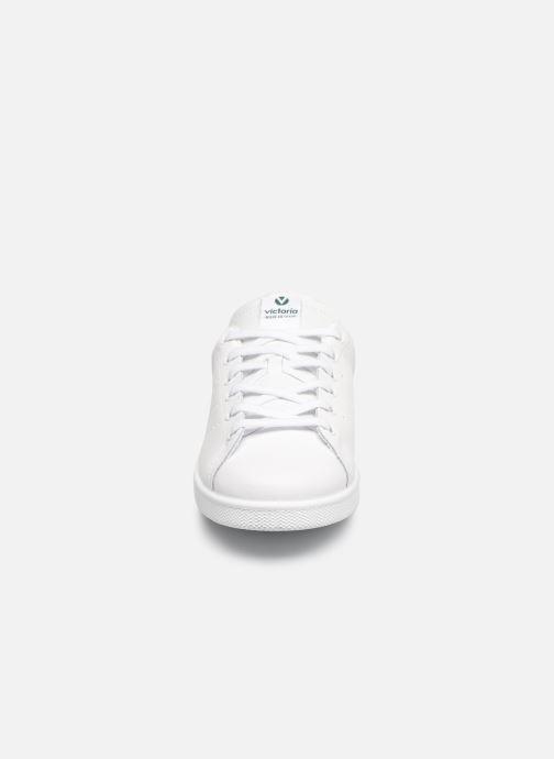 Sneakers Victoria TENIS PIEL PERRILLO SERPIE Bianco modello indossato