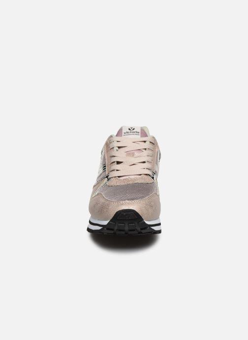 Baskets Victoria COMETA REJILLA/METAL Beige vue portées chaussures