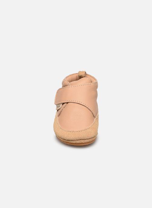 Chaussons Boumy Aki Beige vue portées chaussures