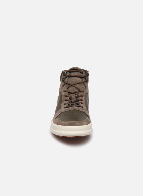 Baskets Camper Chasis Sport K300237 Vert vue portées chaussures