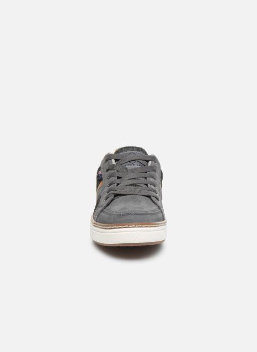 Baskets Roadsign Dacha Gris vue portées chaussures