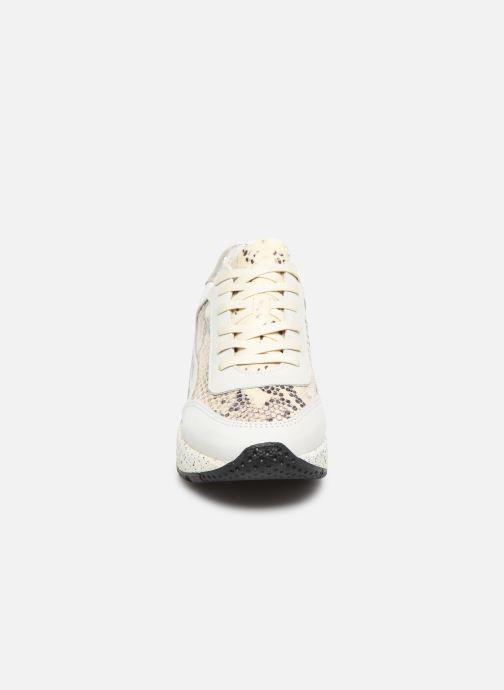 Baskets Bullboxer 280000E5L Blanc vue portées chaussures