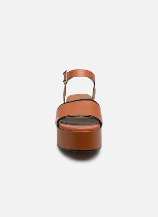 Sandali e scarpe aperte Clergerie MONI Marrone modello indossato