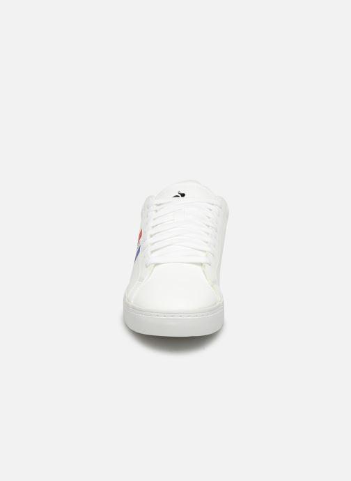 Baskets Le Coq Sportif Courtflag Blanc vue portées chaussures