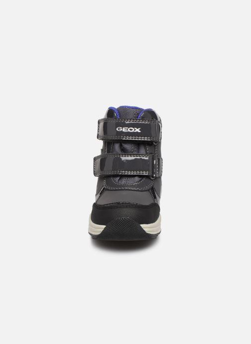 Baskets Geox B New Gulp Girl B Ab B841FC Gris vue portées chaussures