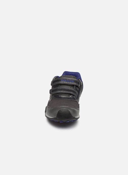 Baskets Geox Jr New Jocker Girl A J84G2A Gris vue portées chaussures