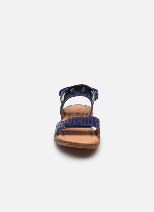 Sandalias Bisgaard Belle Azul vista del modelo