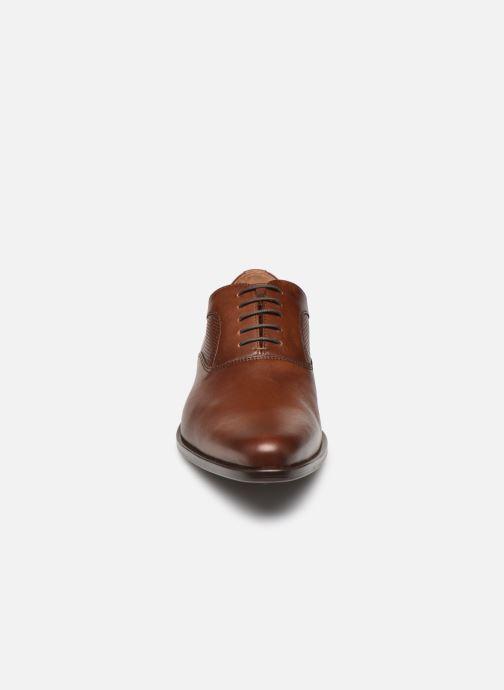 Scarpe con lacci Marvin&Co Riverstone Marrone modello indossato