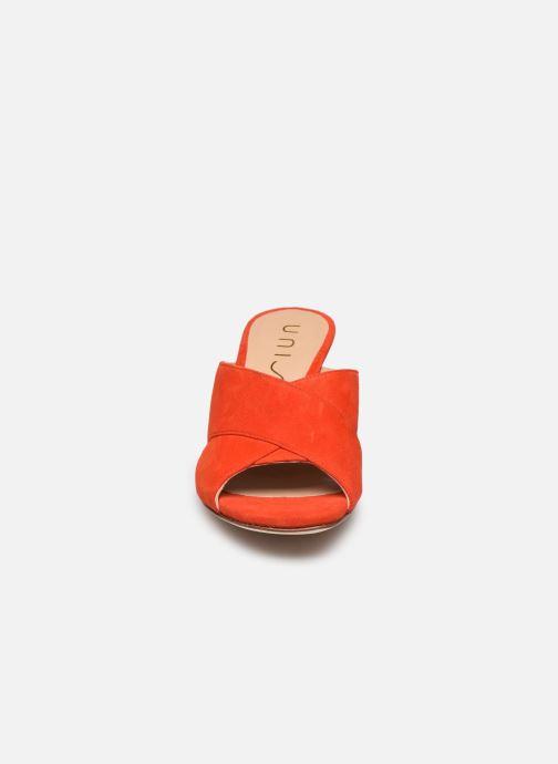 Zuecos Unisa MOTRIL Naranja vista del modelo