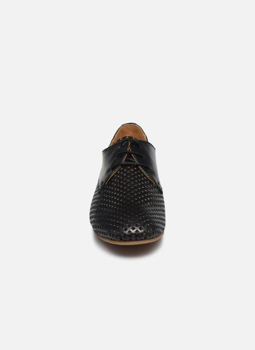 Zapatos con cordones Georgia Rose Apira Negro vista del modelo