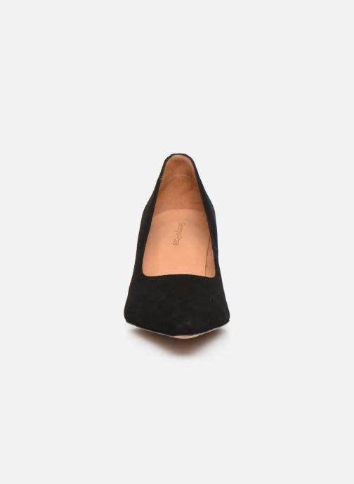 Zapatos de tacón Georgia Rose Tikito Negro vista del modelo