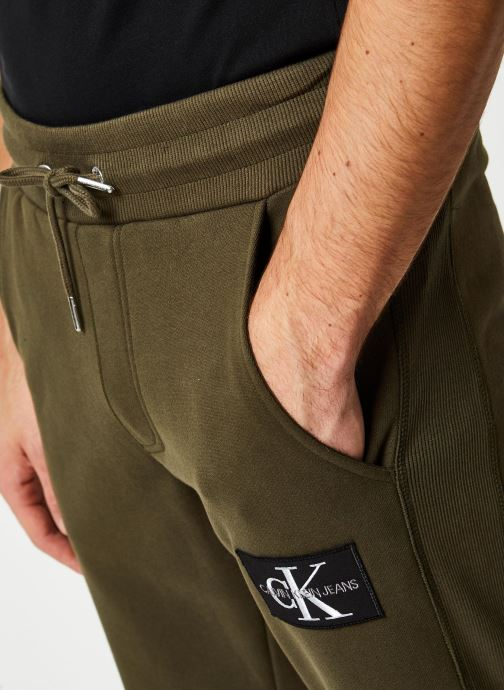 Vêtements Calvin Klein Jeans Monogram Patch Hwk Pant Vert vue face