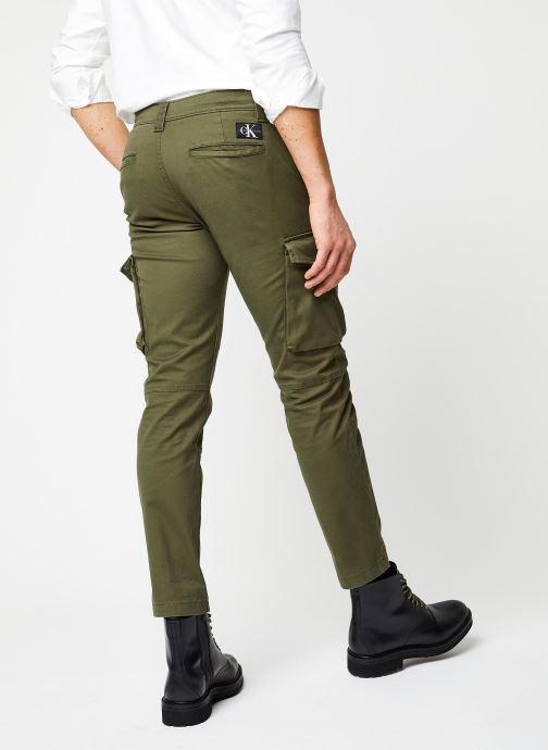 Vêtements Calvin Klein Jeans Skinny Washed Cargo Pant Vert vue portées chaussures