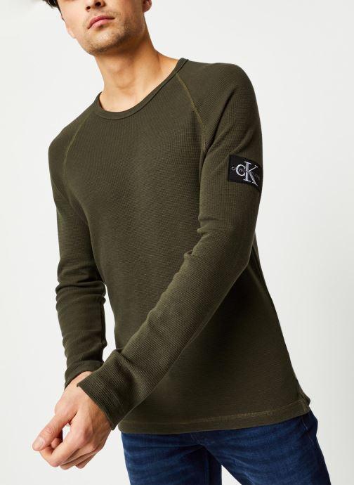 Vêtements Calvin Klein Jeans Waffle Monogram Sleeve Slim L/S Vert vue détail/paire