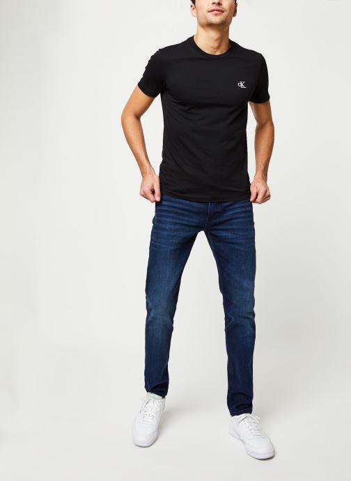 Vêtements Calvin Klein Jeans CK Essential Slim Tee Noir vue bas / vue portée sac