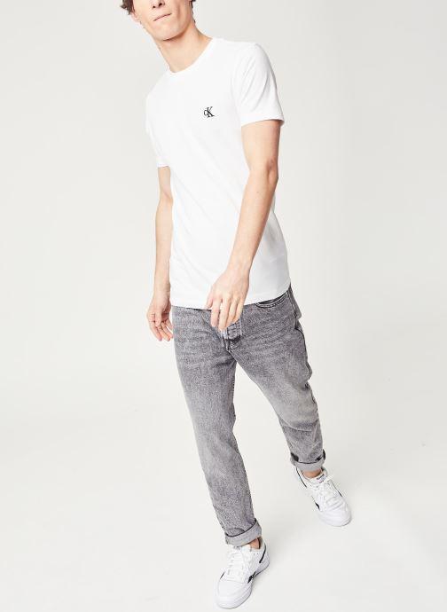 Vêtements Calvin Klein Jeans CK Essential Slim Tee Blanc vue bas / vue portée sac