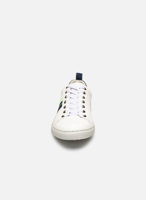 Sneaker Bullboxer 779K20300BP3WNSUSZ weiß schuhe getragen