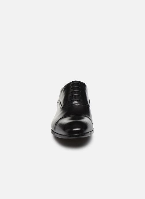 Chaussures à lacets Doucal's JIMMA Noir vue portées chaussures